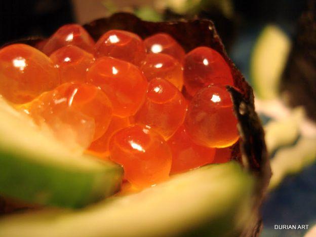 ikura (salmon caviar) sushi