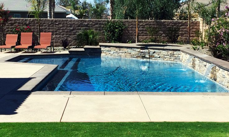 1000 images about pools on pinterest technology for Walk in swimming pool designs
