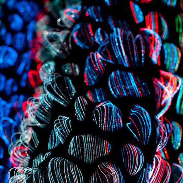 Malin Bobeck. La suédoise Malin Bobeck conçoit le textile autrement. Curieuse, elle aime comprendre les mécanismes qui composent les choses et elle s'attarde particulièrement aux petits éléments qu...