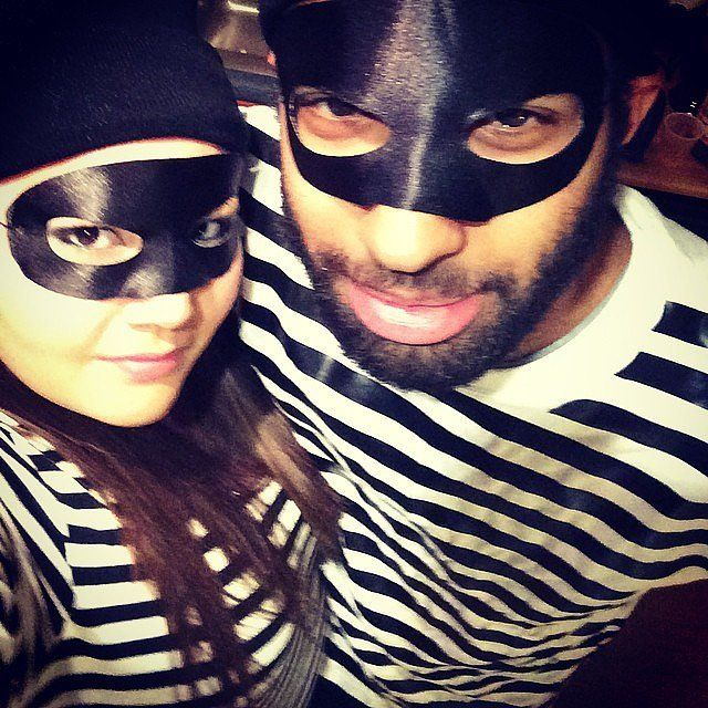 Go on the run with your babe with this Bank Robbers costume this Halloween