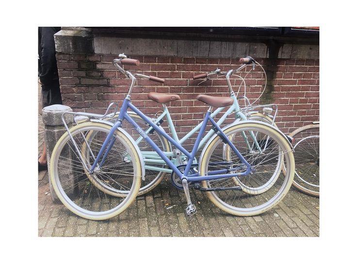 Double troubl.... eehhmm FUN! Niks mis met deze pastel helden! @manonvb mocht vandaag Amsterdam doorkruisen op een wel héél erg passende @unionbikes ! Want zeg nou zelf een fiets in de exact zelfde kleur als je haar dat kán toch geen toeval zijn?!      . . . . . #urbanbike #bike #cycling #bicycle #bikeporn #fixedgear #urban #cycle #trackbike #ride  #urbancycling #bikelife #bicicleta #bikes #instabike #velo #cyclinglife #unionbike #unionbikes #amsterdam #biketour