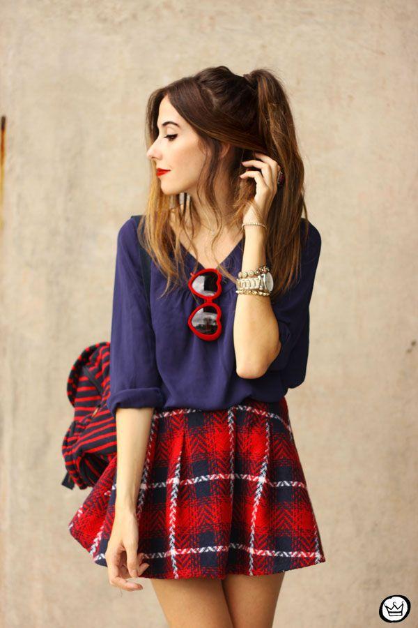 . saia|skirt: Romwe mochila|backpack: Petit Sesame sunglasses: NastyGal relógio|watch: MVMT sapato|shoes: iclothing .   Essa é uma das combinações de cores que mais gosto, azul marinho e vermelh...