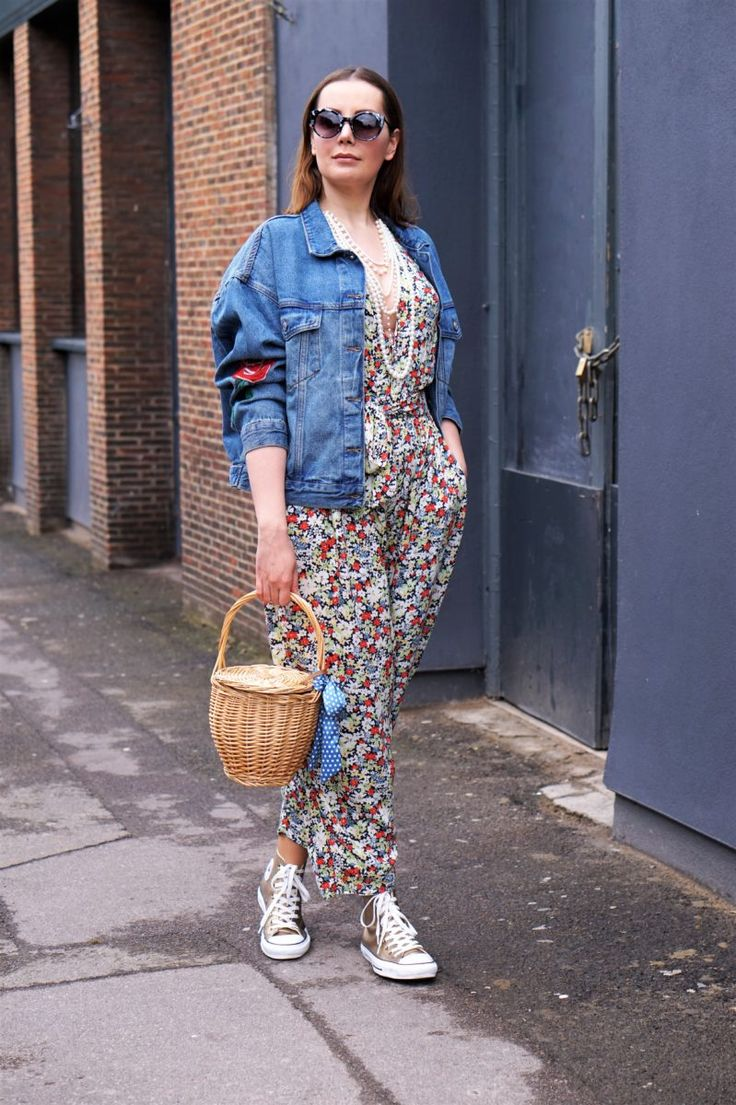 #Fashion POST by @magdusiatp FEATURING @pullandbear   Beauty And The Beast   http://bit.ly/2pYAvCW   #GloryOfTheSnow #fbloggers #stylebloggers #fashionblogger #style #Outfit #denim #jacket
