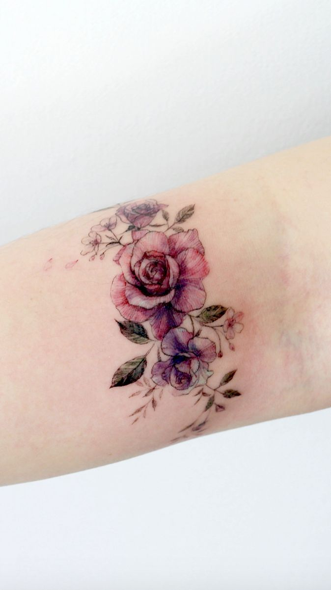 Simple tattoo designs to carry your favorite flower on your skin. Do you look … # tattoos # all