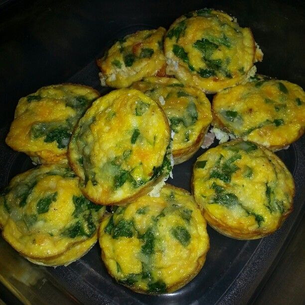 Meal prep for the week. Grab and go breakfast or snack: spinach, ham, cheddar, mozzarella & green pepper egg muffins. Bake @ 350 for 15-18 mins. Super easy!