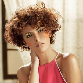Taglio corto capelli ricci | Donna Moderna