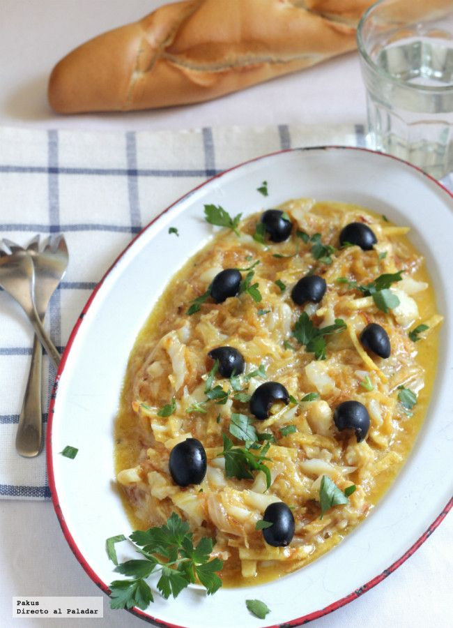 Bacalao dorado o bacalhau à Brás. Receta portuguesa para Semana Santa