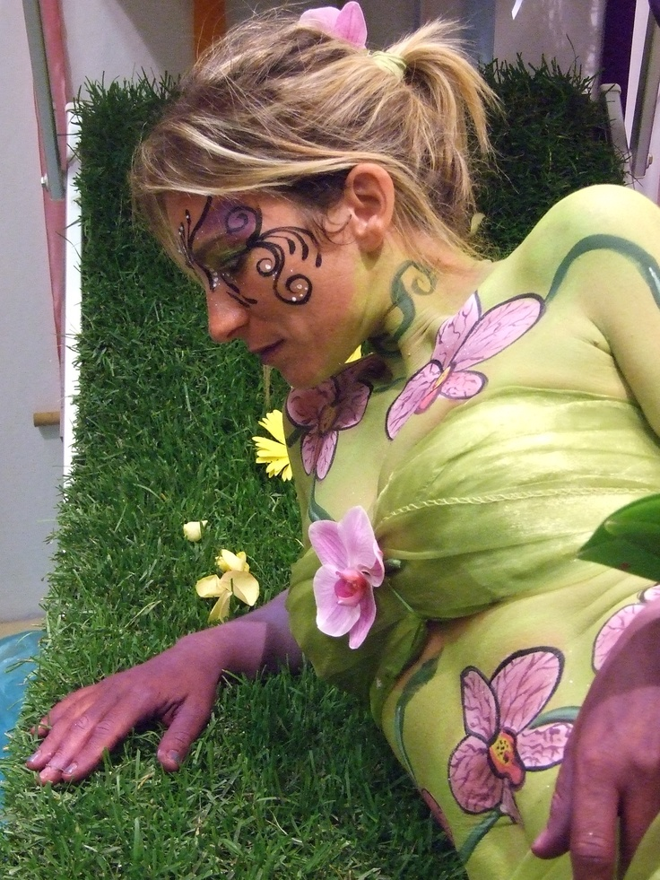 """performance di bodypainting 2012   """"flower"""""""
