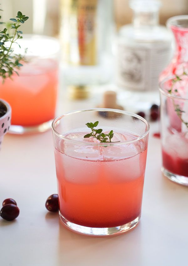 Cranberry thyme gin & tonic