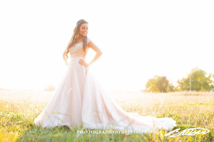 Jessa's wedding gown!