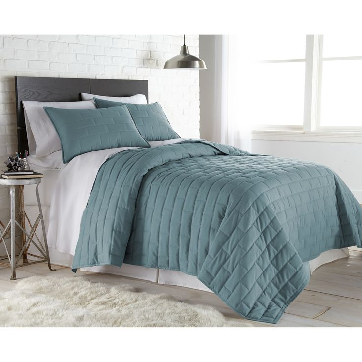 Southshore Fine Linens - Light Weight Contemporary Quilt Set