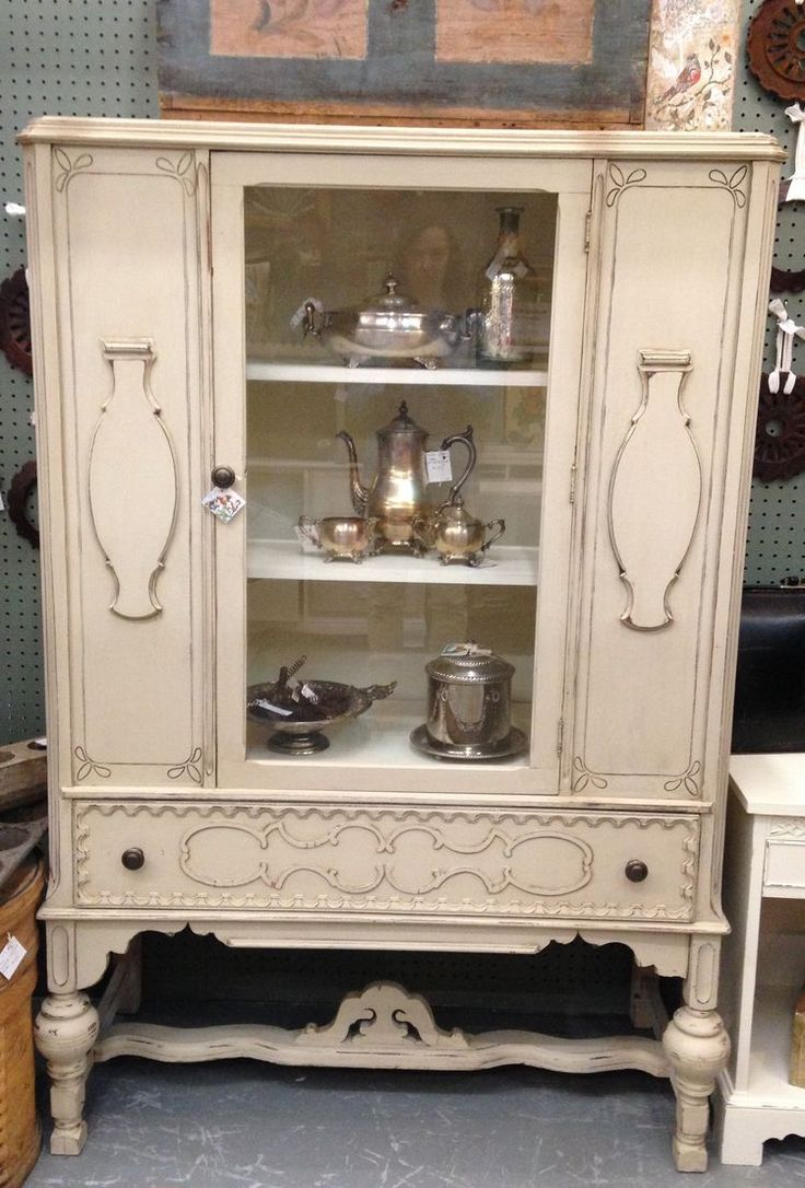 Gorgeous china cabinet painted with Maison Blanche chalk paint in