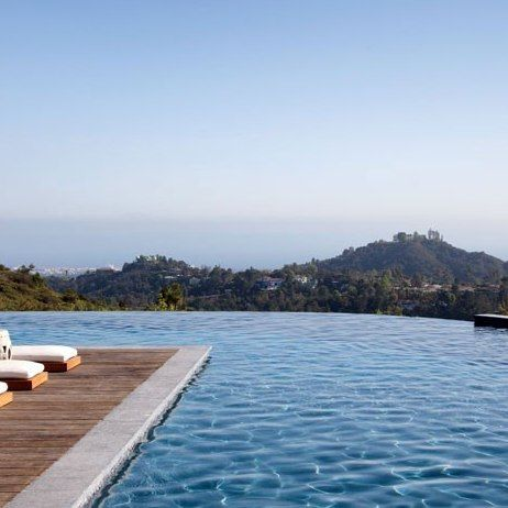 Pool spectacular ......Gisele Bündchen and Tom Brady's Los Angeles Home : Architectural Digest