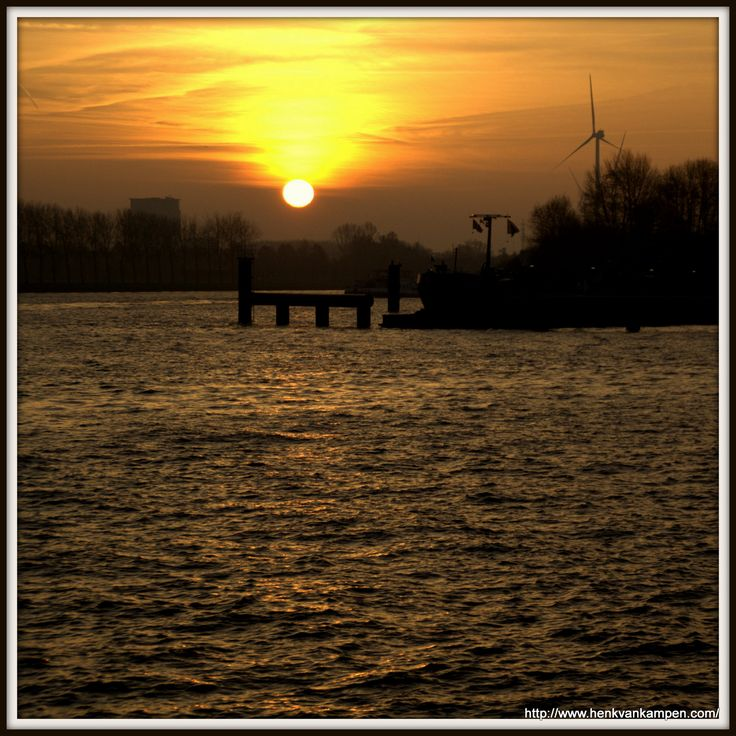 Sunrise on the Amsterdam Rhine Canal, Nieuwegein, the Netherlands