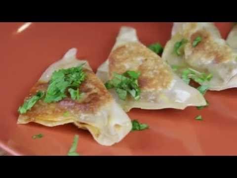 We teamed up with Josh Elkin to make these bite sized Tex Mex Potstickers. Recipe: Josh Elkin (@TheJoshElkin) www.foodbeast.com www.facebook.com/foodbeast ww...