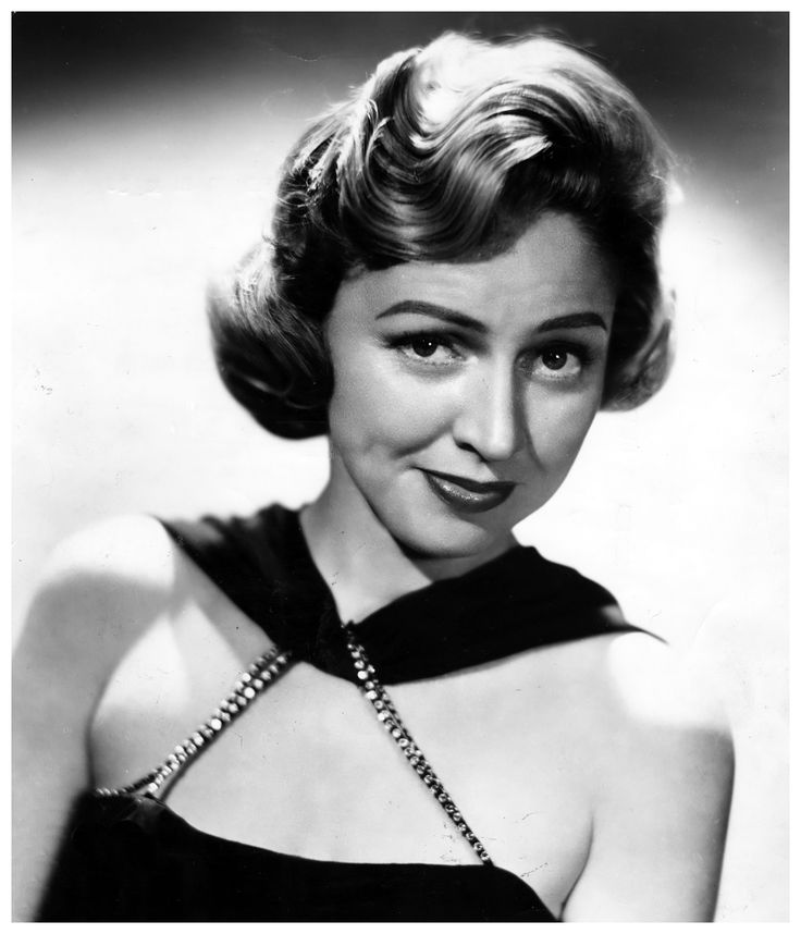 Jazz singer Anita O'Day was born today 12-18 in 1919. She worked with lots of the greats like Gene Krupa, Woody Herman and Stan Kenton. She passed in 2006.