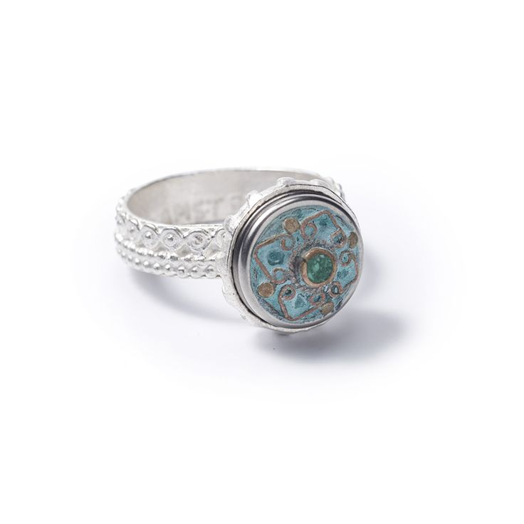 The symbolism of the old Greeks, who have studied the wonders of the universe, has been incorporated in this ring. The position of the planets and the energy which this creates affects every individual.