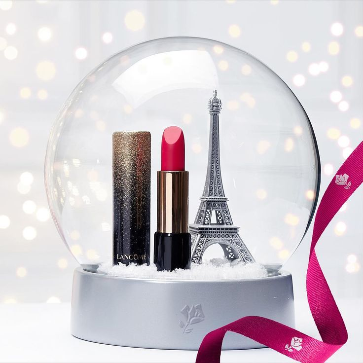 This season, add a French twist with #LAbsoluRouge in Rose Lancôme from the Holiday Makeup collection! #Lancome #Lipstick #Holiday #HolidayWonderland