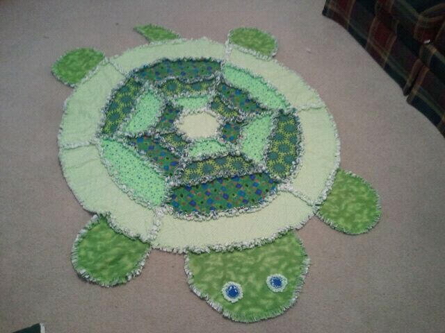 Rag Quilt Animal Patterns : 17 Best images about Rag Quilt and Rugs DIY on Pinterest Sewing patterns, Turtle pattern and Quilt