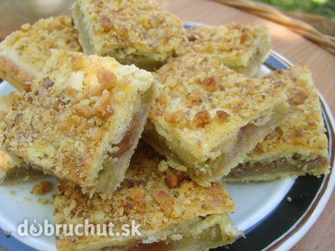 Rebarborový koláč s orechmi