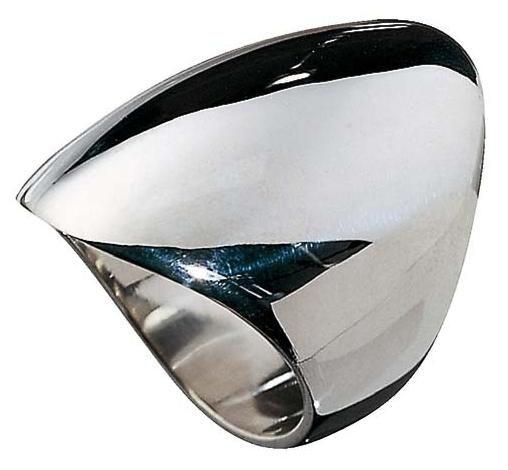 Kalevala Koru / Kalevala Jewelry / ELEGANT RING  Designer: Mirjam Salminen  Material: silver