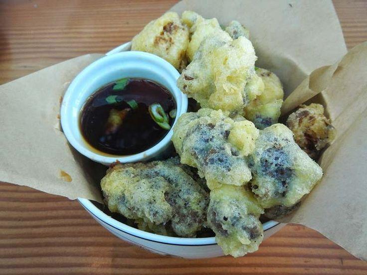 Gebakken bloemkool, is eigenlijk een variatie op het frituren, en het verschil is eigenlijk hetzelfde als bij het firturen of bakken van aardappelen.