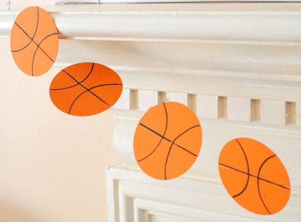 DIY Garland : DIY Paper Basketball Garland