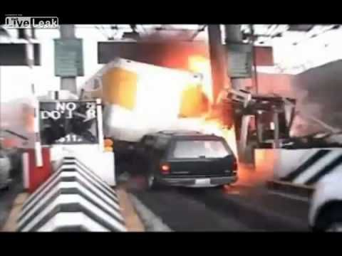 Big truck loses control and sweeps away everything in its path #EasyPin