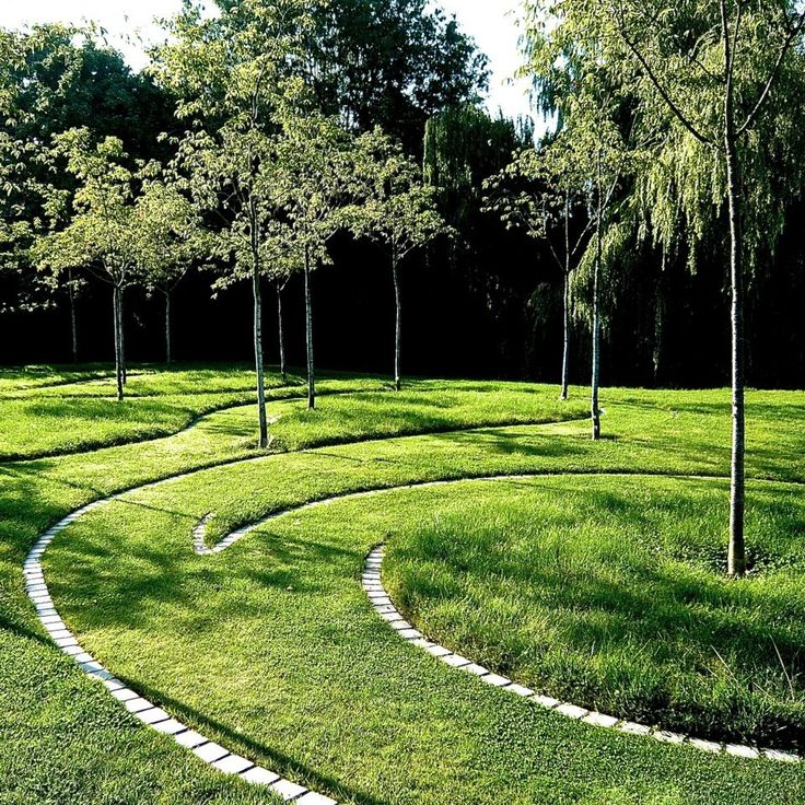 Organic swirls with different mowing heights (Joanne_Alderson Garden Design, Oxfordshire, Estate 6).