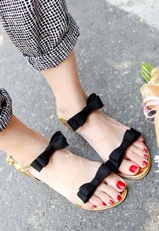 Totally cute bow sandals and rolled up check trousers