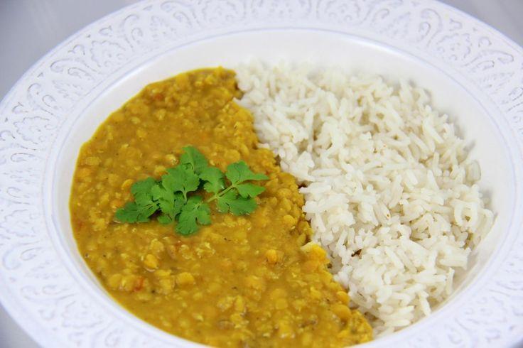 Un plat très savoureux et très digeste, exemple typique de l'association parfaite entre une légumineuse et une céréale pour profiter de tous les bienfaits des protéines végétales. Plat typique indien, le dahl et ses délicieux parfums de curry et de graines de cumin et de coriandre vous fera voyager le temps d'un repas...