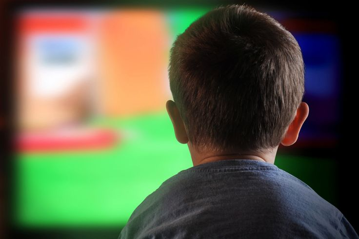 The National Football League should stop offering fantasy sports competitions to children because the games could lead some young sports fans down the path of gambling addiction, two nonpr…