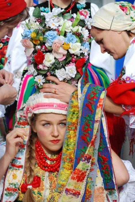 Traditional wedding headdress from Łowicz, Poland.