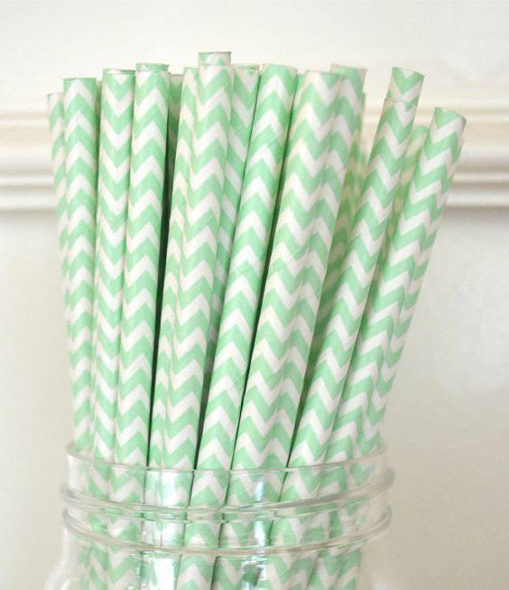 Papieren rietjes Mint Chevron €3,50 http://maisonmansion.com/product/papieren-rietjes-mint-chevron/
