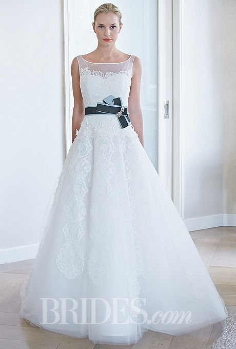 Edgardo Bonilla Wedding Dresses Fall 2014 Bridal Runway Shows | Wedding Dresses Style | Brides.com