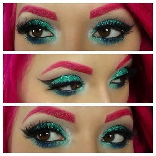 Love the turquoise eye makeup and if I had pink hair I'd do the same with my eyebrows x