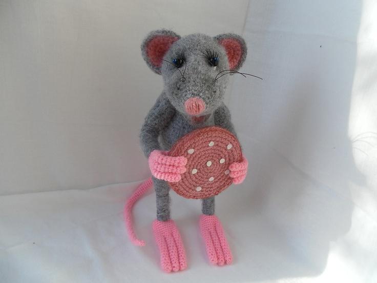 Amigurumi Mouse Pattern Crochet : 139 best crochet mouse images on pinterest crochet mouse