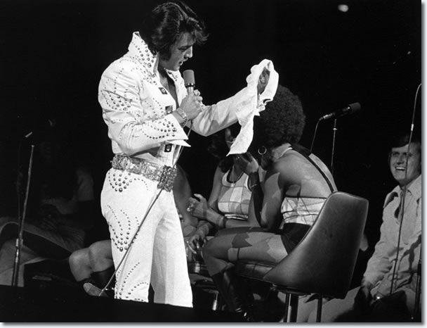 elvis presley  Chicago Stadium : June 16, 1972 8.30 P.M.