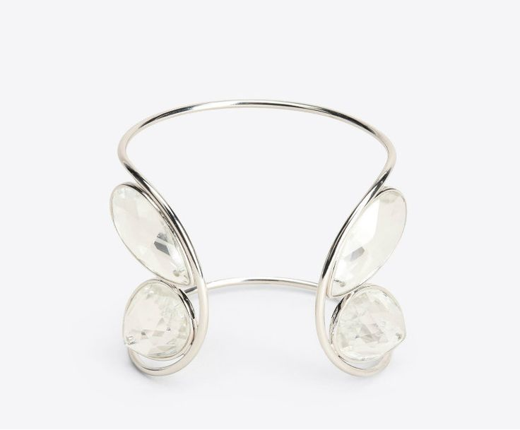 Crystal Bracelet by Maison Margiela ➤ Discover more luxury lifestyle news at www.covetedition.com @covetedition #covetedmagazine @covetedmagazine #luxurylifestyle #maisonmargiela #jewellery