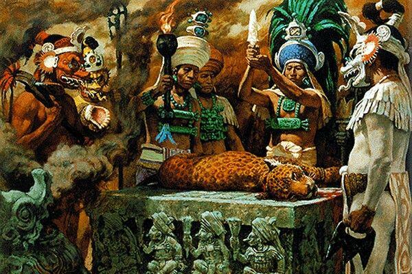 La muerte fue, para muchos de los pueblos mesoamericanos, de gran importancia dentro de su sistema de creencias. Al respecto algunas fuentes como Fray Durán, Torquemada, Sahagún y Krickeberg, señalan que en el calendario mexica el cual constaba de 18 meses, los meses noveno y décimo denominadosTlaxochimacoyXocolhuetzirespectivamente, estaban dedicados a la celebración del día de los muertos chiquitos, el primero y de los grandes, el último.