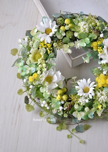 ハンドメイドマーケット minne(ミンネ)| Margaret & Anemone:white & green wreath