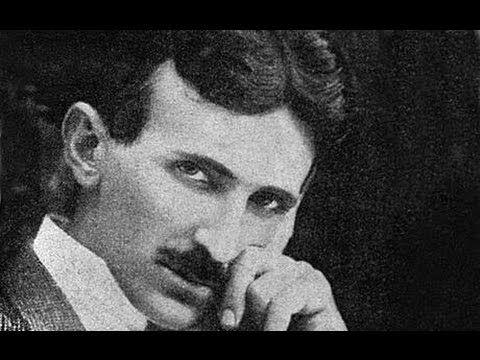 """Nikola Tesla est l'un des plus grand inventeur pour ne pas dire le plus grand, il contribua par ses recherches et expériences au développement de nombreux domaines. Il est l'auteur de plusieurs centaines de brevets qui ont révolutionnés le monde en le faisant basculer dans l'ère """"moderne"""". Nous lui devons entre autre le courant alternatif, l'électricité sans fil, la radio-communication, le moteur asynchrone, l'automatisme, ainsi que beaucoup d'autres inventions. Nikola Tesla souhaitait…"""