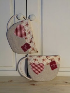 Patchwork pot holders for tea lovers
