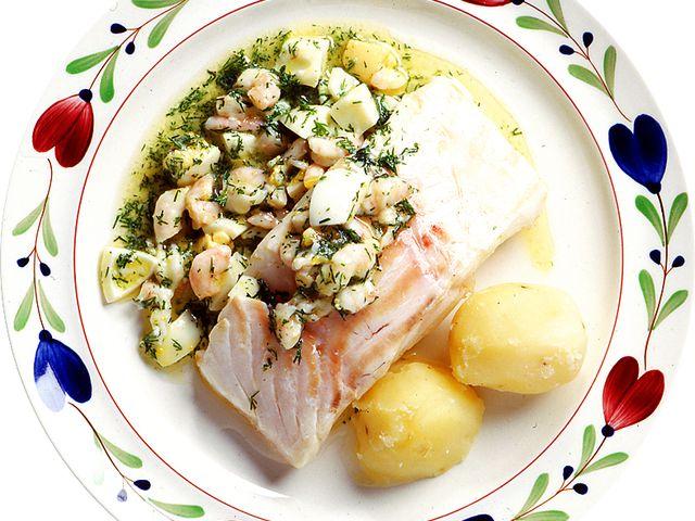 Ugnsbakad torsk med räkor och hackat ägg (kock recept.nu)