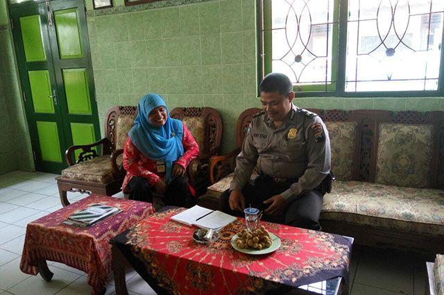 Tribratanewsmagelangkota.com – Ajun Inspektur Polisi satu Henry…