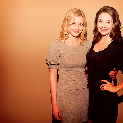 Alison brie vs gillian jacobs community 10