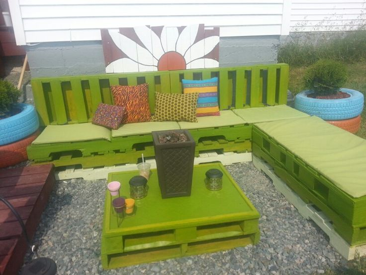 Complete! ! Seating Area from Pallets