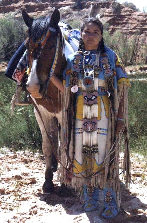 photos of native american dress | ... Native Americans for STYLE, we all would have been far better off