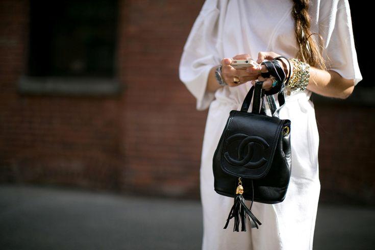 Backpacks-chanel-zaino-pelle-nero…
