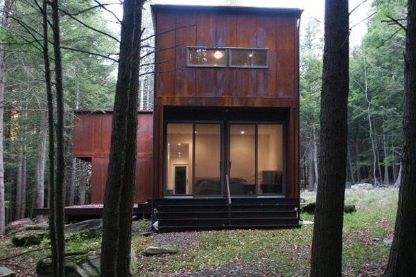 Shipping Container Buildings: A Wee Modular Prefab Home in Pennsylvania